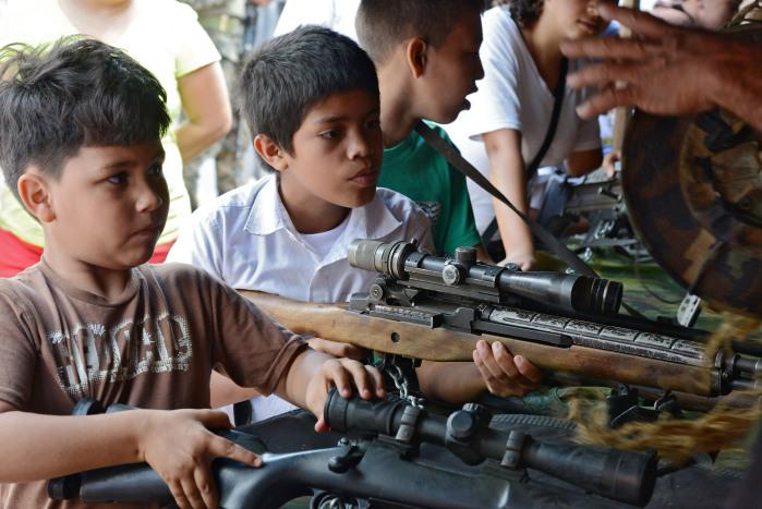 HondurasMilitaryKids AFP
